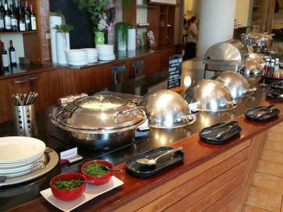 buffet-breakfast-2339903_1280